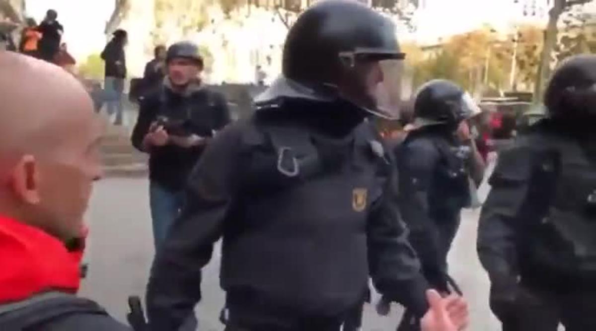 Un jutge anul·la la sanció al mosso que va dir: «la República no existeix, idiota»