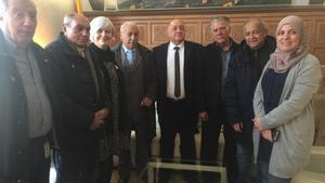 El gruppromotor del Consell Municipal del Poble Gitano de Badalona, amb l'alcaldessa, Maria Dolors Sabater, i la regidora de Participació,Fátima Taleb.