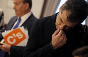 Toni Cantó, recogiendo el acta de diputado de Ciudadanos.