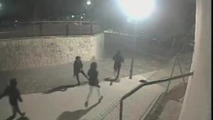Trece detenidos, nueve menores, por una brutal agresión homófoba en Alicante.