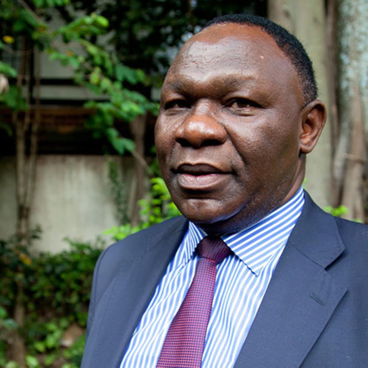 Bitange Ndemo, ex-secretario permanente para las comunicaciones en Kenia