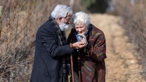 Imanol Arias y Ana Duato, caracterizados de ancianos en 'Cuéntame'.