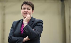 La líder dels 'tories' a Escòcia dimiteix un dia després de la maniobra de Johnson per suspendre el Parlament