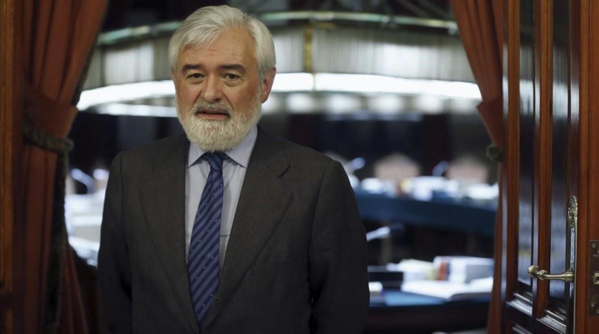 El director de la RAE Darío Villanueva, en una imagen de diciembre del 2014, tras ser elegido en el cargo.