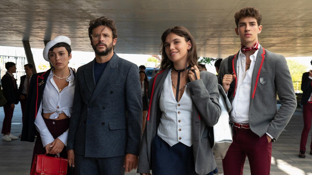 Carla Díaz, Diego Martín, Martina Cariddi y Manu Ríos, en 'Élite'.