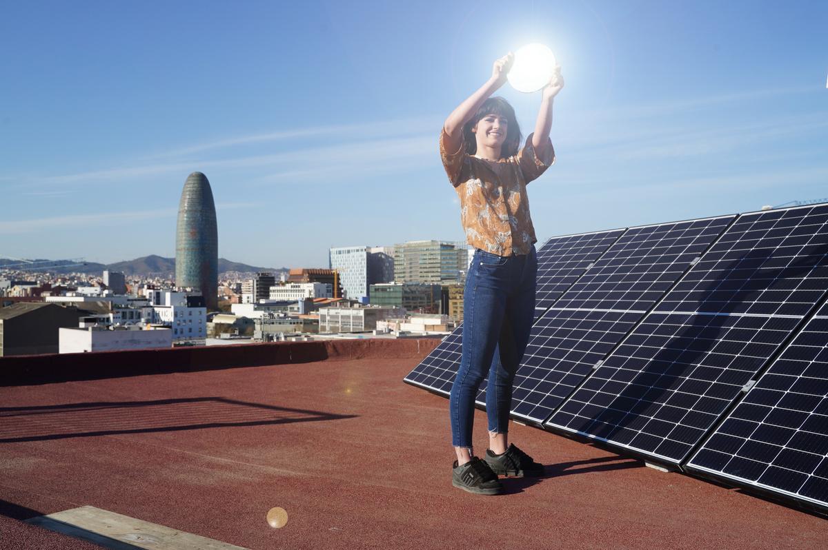 Solicita ahora las ayudas para la instalación de placas solares y olvídate de tu factura gracias a Holaluz