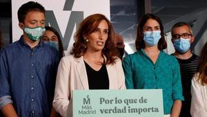 La candidata de Mas Madrid en las elecciones a la Comunidad de Madrid  Monica Garcia valora los resultados electorales junto a Iñigo Errejón y Rita Maestre.