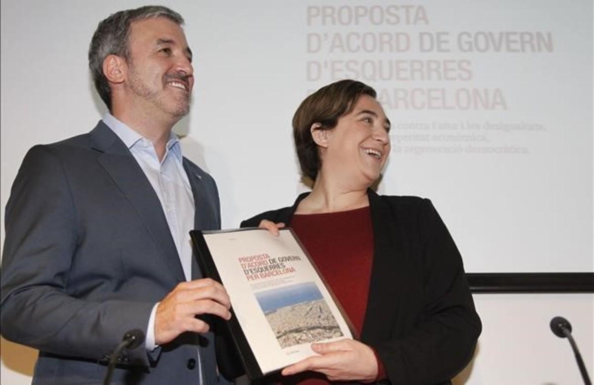 Colau y Collboni, durante la presentación del pacto municipal.