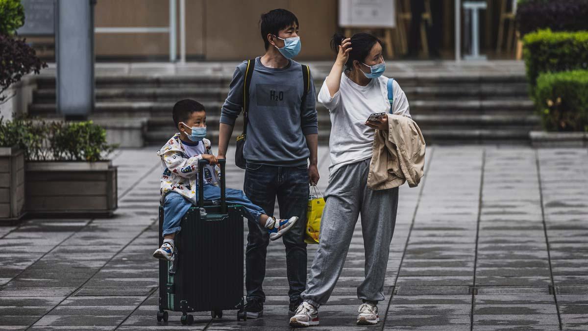 China permite a sus familias tener un tercer hijo