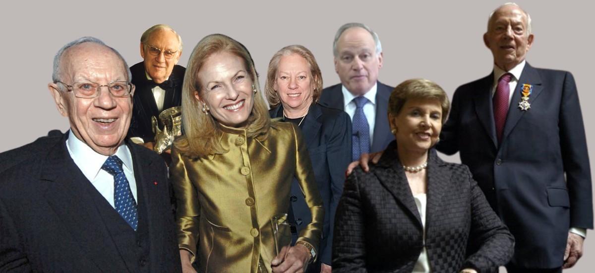 De izquierda a derecha, abajo, Mortimer y su esposa Theresa, y Raymond y su mujer, Beverly. Atrás, Arthur; la hija de Mortimer, Kathe, y Richard, hijo de Raymond que asumió las riendas de Purdue.