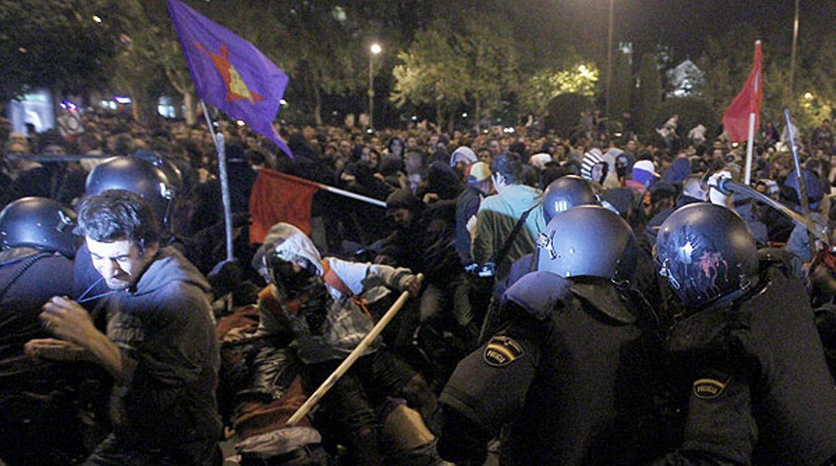 Las cargas policiales se saldaron con heridos y detenidos.