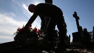 Aquestes són les mesures dels cementiris de Catalunya per a Tots Sants