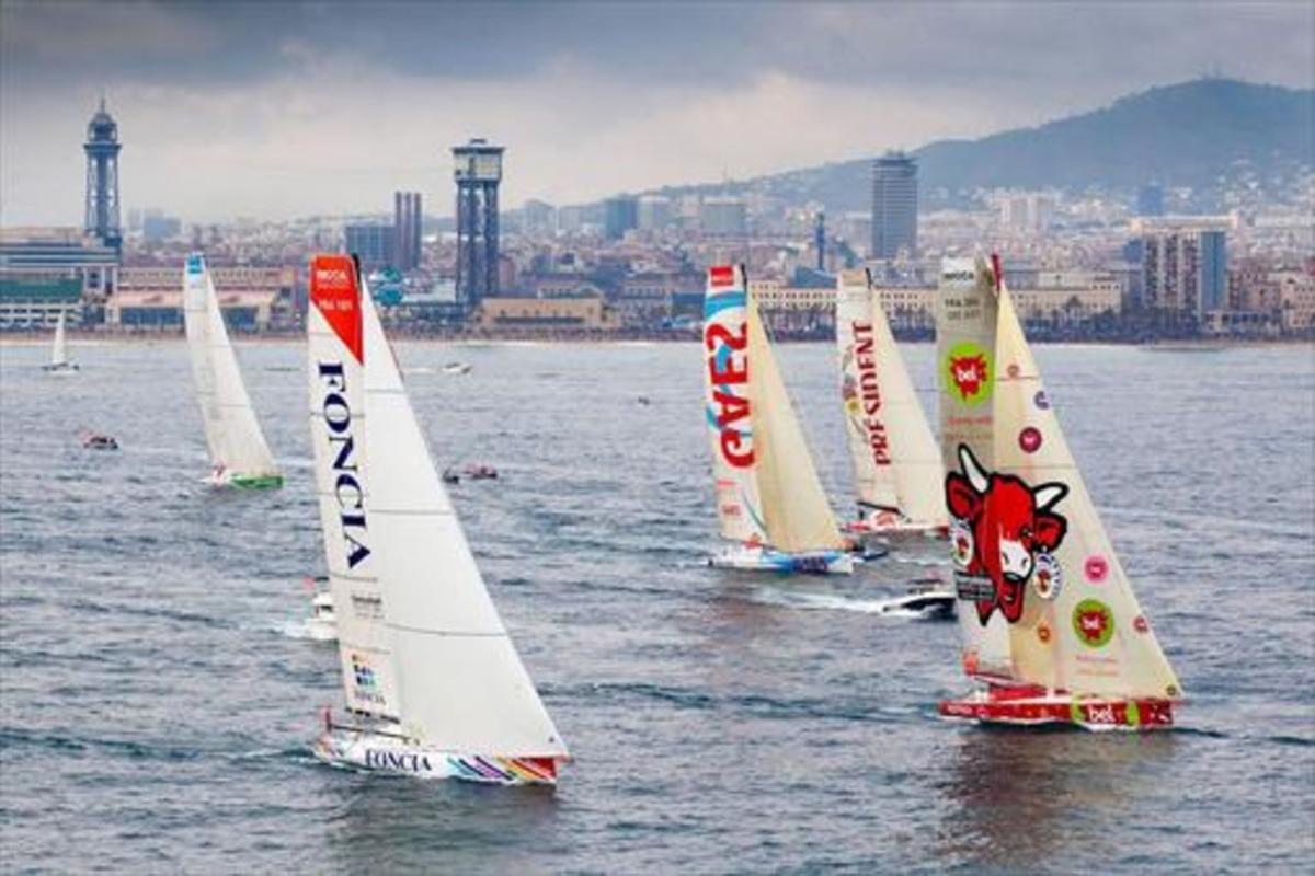 Imagen de la salida de la tercera Barcelona World Race, el 31 de diciembre del 2014, con la ciudad al fondo.
