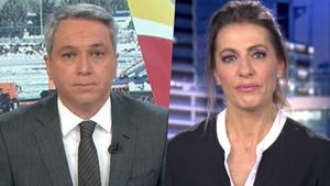 Vicente Vallés y Ángeles Blanco en las ediciones nocturnas de Antena 3 Noticias e Informativos Telecinco este viernes.
