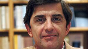 El escritor filosofo y editor Enrique Lynch en el año 2003.
