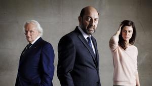 Niels Arestrup, Kad Merad y Anna Mouglalis en una imagen promocional de 'Baron noir'.