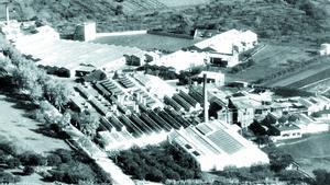 Foto histórica de la fábrica textil de Can Dubler de Sant Boi