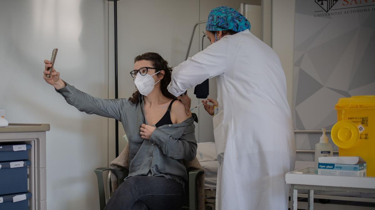 Vacunación en el Hospital Sant Pau de Barcelona.