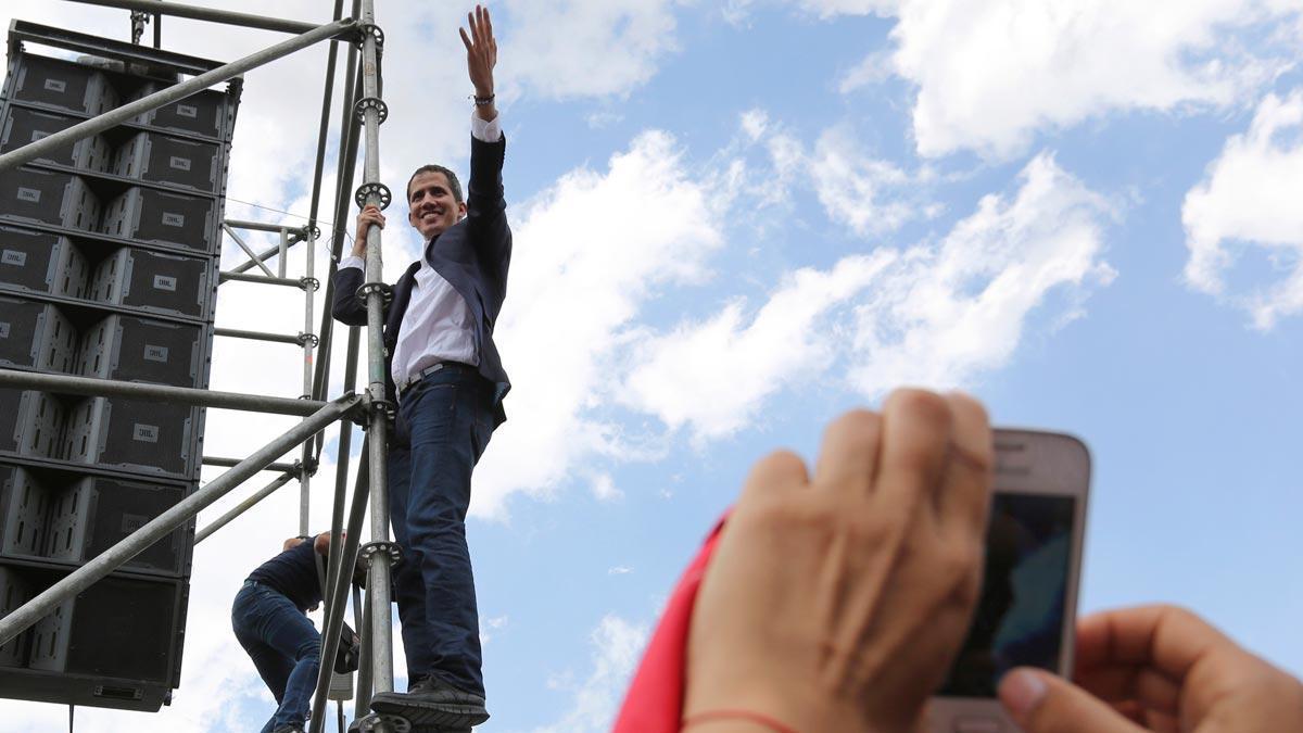 Regreso triunfal de Juan Guaidó a Venezuela.