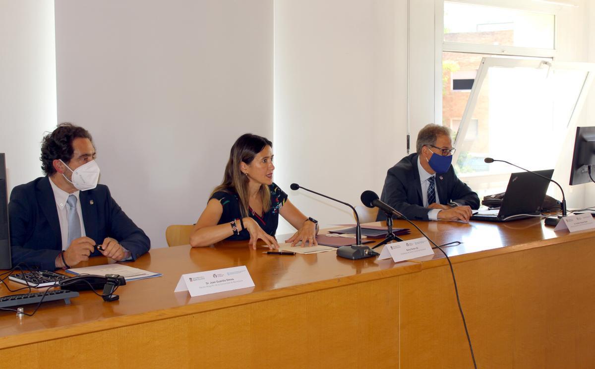 El Ayuntamiento de Santa Coloma firma un nuevo convenio con la Universitat de Barcelona y el IL3-UB para consolidar la Escuela Universitaria de Verano en la ciudad.
