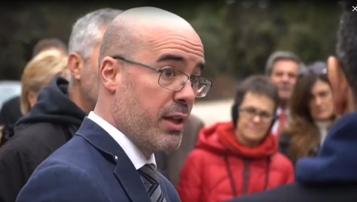 Fran Martín Aguirre, nuevo secretario general de la Presidencia del Gobierno, en el ensayo de la exhumación de Francisco Franco del Valle de los Caídos, en octubre de 2019, cuando era director de Gabinete de Félix Bolaños.