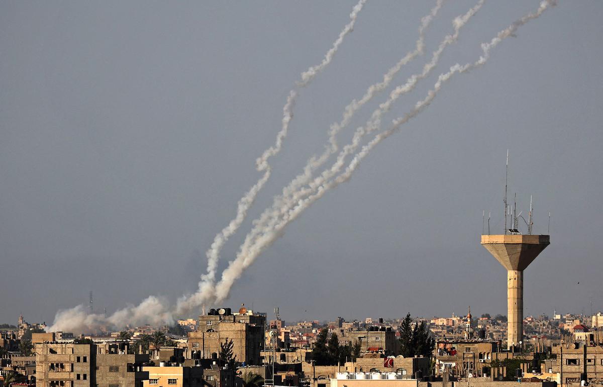Cohetes lanzados a Israel desde el sur de la franja de Gaza.
