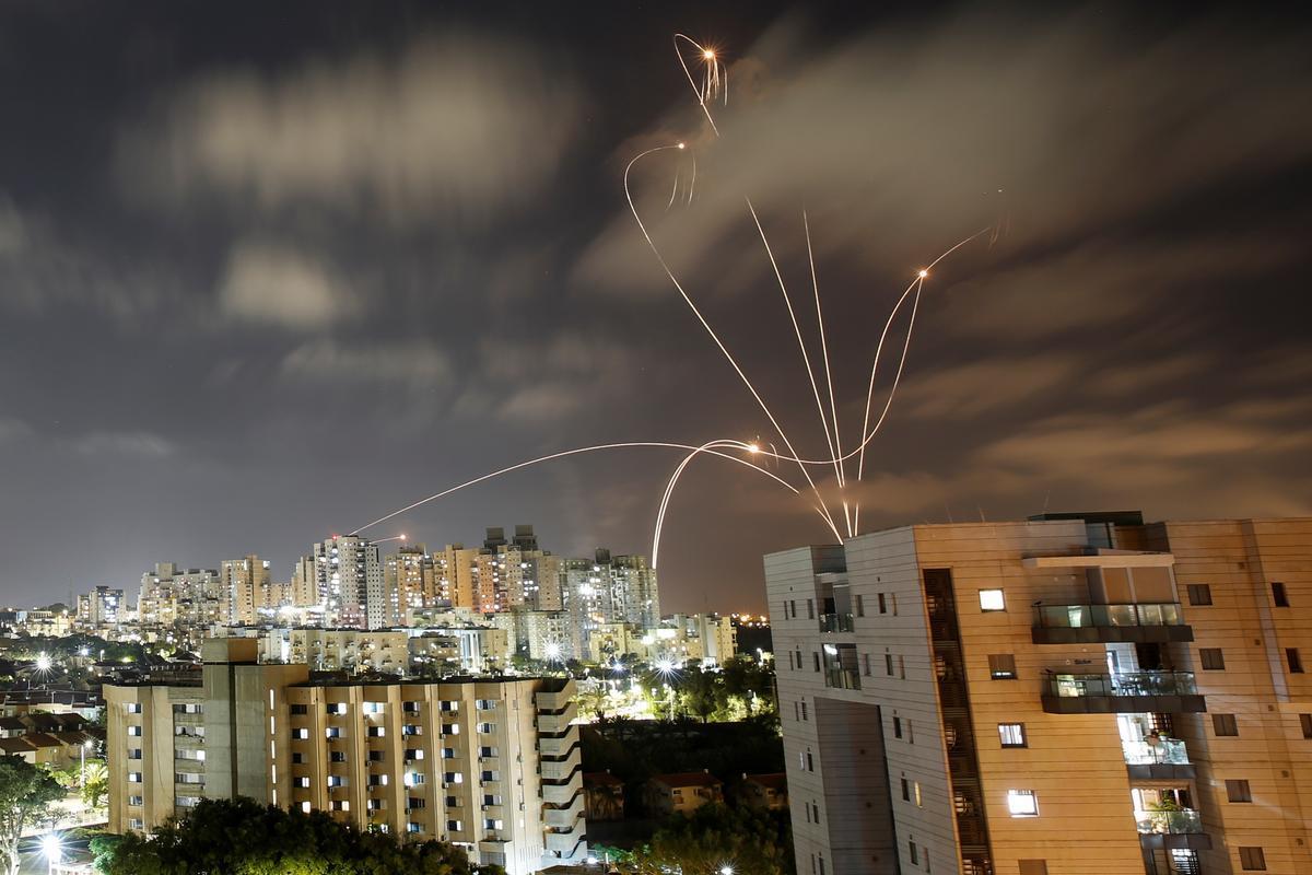 El sistema antimisiles de Israel, la Cúpula de Hierro, en acción.