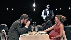 Sopar 'chic' 8 Ernest Villegas i Cristina Genebat, en l'última peça de 'Coses que dèiem avui'.