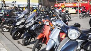 Motos aparcadas en Barcelona.