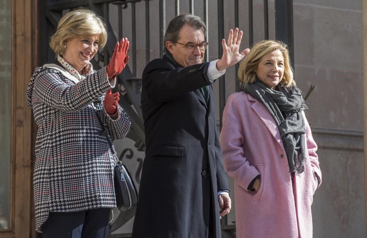 L'expresident Artur Mas, l'exvicepresidenta Joana Ortega i l'exconsellera d'Ensenyament Irene Rigau, després de declarar pel 9-N.