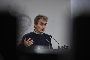 El director del Centro de Coordinación de Alertas y Emergencias Sanitarias (CCAES), Fernando Simón, ofrece una rueda de prensa para informar sobre la evolución de la pandemia de coronavirus, en el Ministerio de Sanidad, Madrid (España), a 3 de noviembre de 2020.
