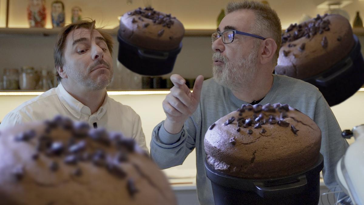 Jordi Roca nos muestra la sensualidad de un suflé de chocolate