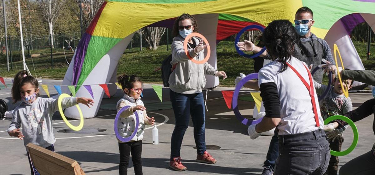 Cornellà ofereix tallers per iniciar-se en el món del circ