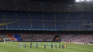 Minuto de silencio antes del inicio del Barça-Leganés.