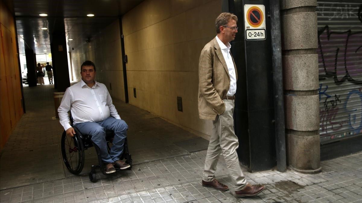 David Bonvehí y Ferran Bel, a la salida de la reunión.