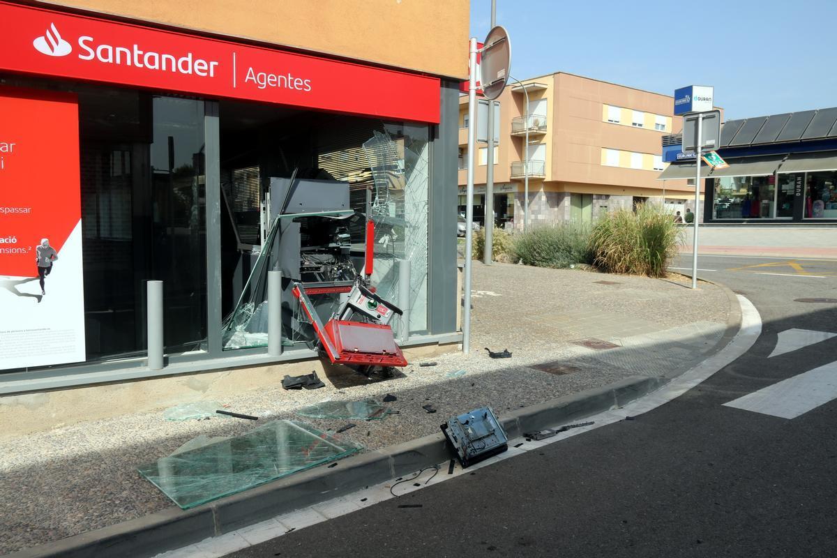 Cajero automático de la sucursal bancaria Santander, en Riudellots de la Selva