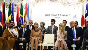 El príncipe de Arabia Saudí, Bin Salman;el presidente de Argentina, Mauricio Macri;la reina de Holanda,Máxima Zorreguita; Ivanka Trump y su padre,Donald Trump, presidente de EEUU en la jornada sobre Empoderamiento de la mujer en el marco del G-20.