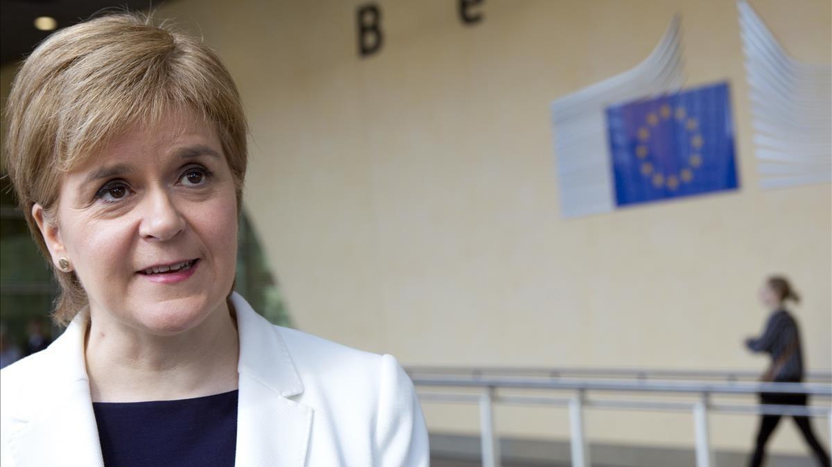 Escocia mantendrá la bandera de la UE en su Parlamento