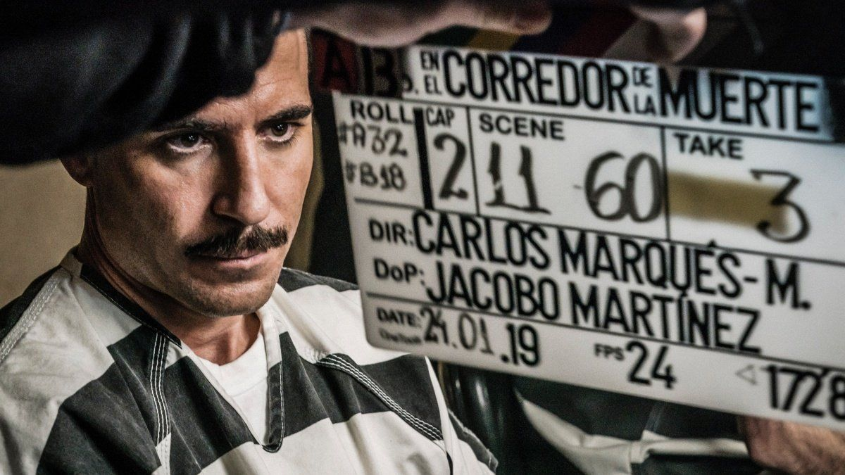 Miguel Ángel Silvestre en el rodaje de 'En el corredor de la muerte'.