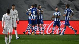 El Madrid regala dos gols i perd davant l'Alabès