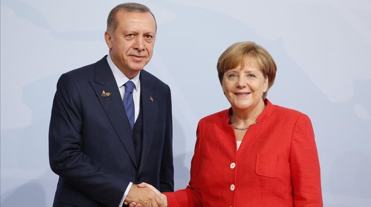La canciller alemana, Angela Merkel,recibe al presidente turcoRecep Tayyip Erdogan.