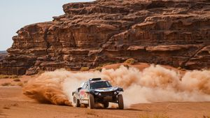 El saudita Al-Rajhi sorprèn els favorits en cotxes i Barreda somia en motos
