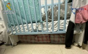 Detenido por esconder 187 kilos de hachís bajo la cuna de su hijo.