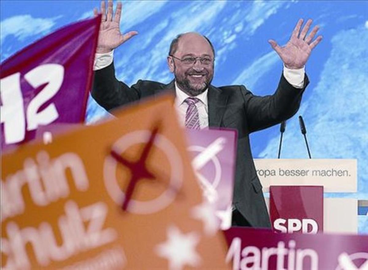 Martin Schulz saluda durante un acto electoral en Berlín.