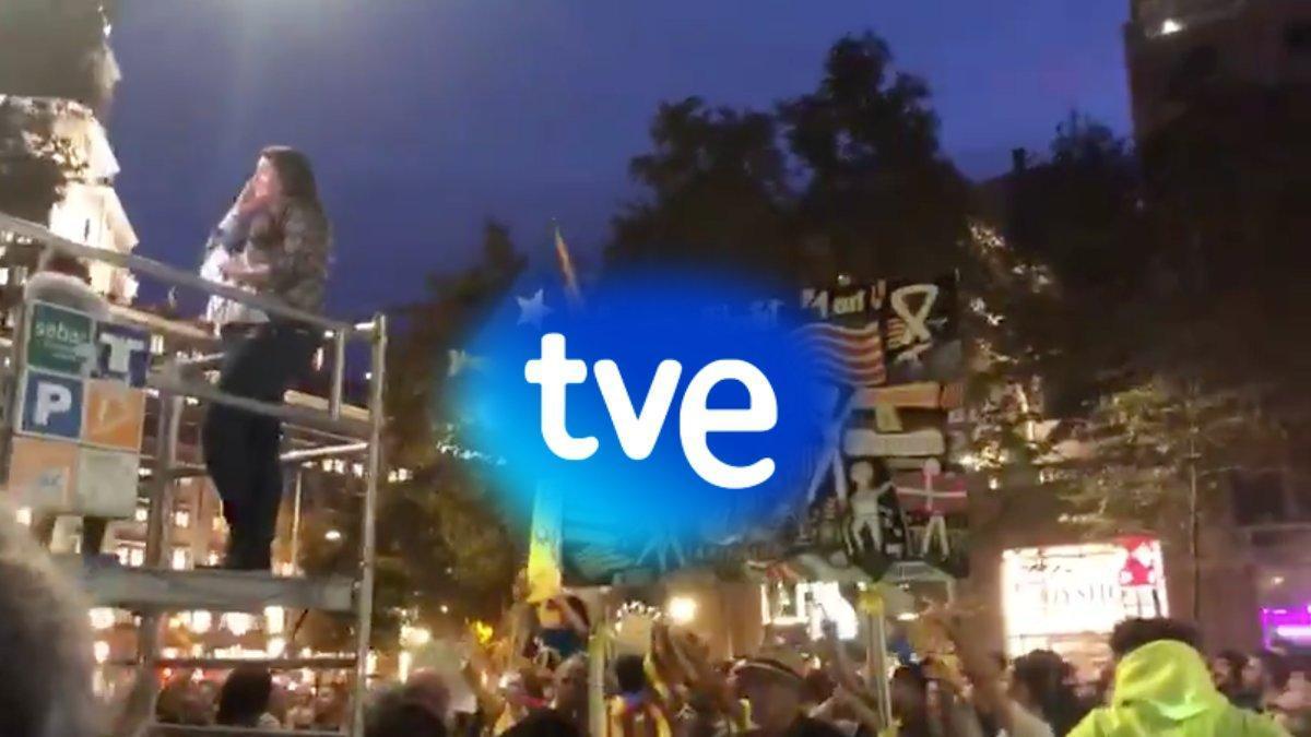 Imagen del vídeo que el Canal 24 horas ha subido a su cuenta de Twitter y que recogen una de esas agresiones.