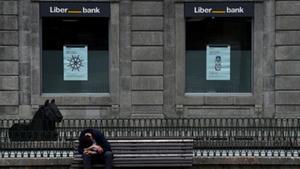 Abanca ofrece 1.700 millones a los accionistas de Liberbank