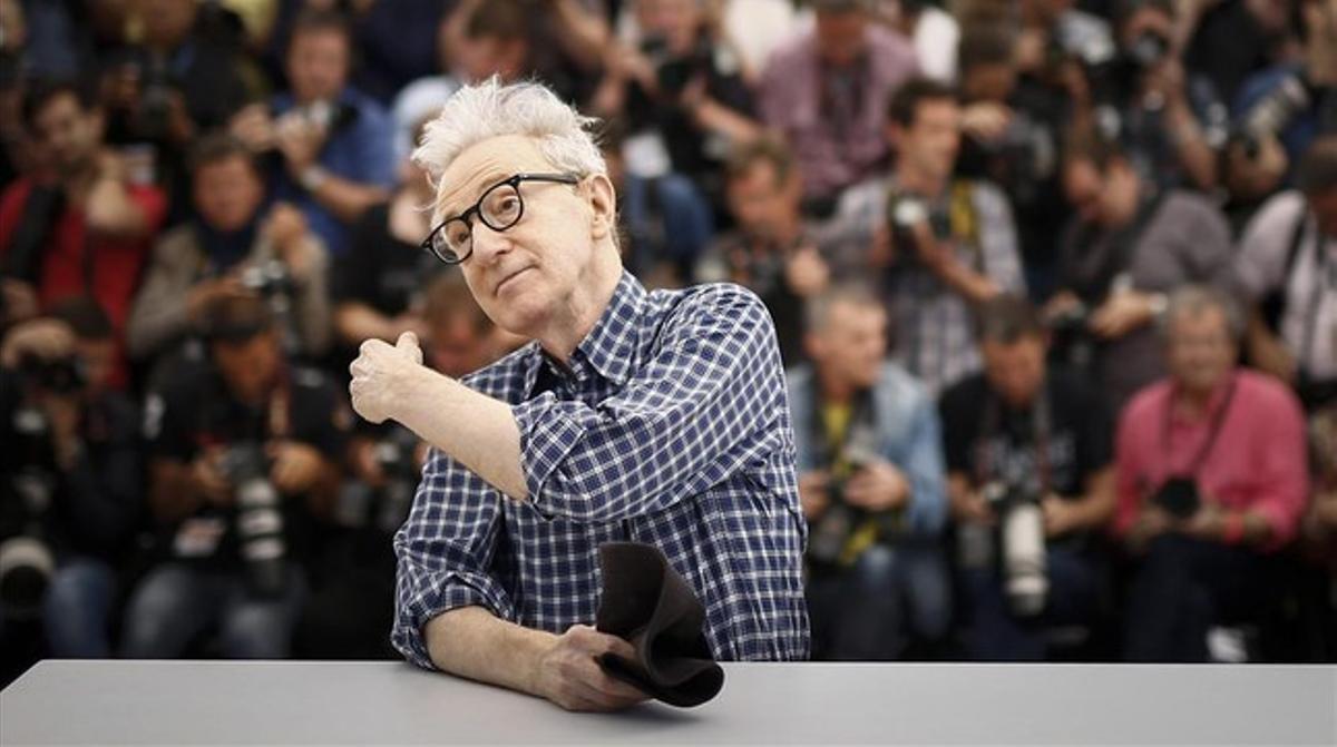 Woody Allen, tras la presentación de 'Irrational man', ayer en Cannes.