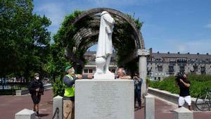 Decapitada una estatua de Cristobal Colón en Boston.