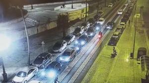 La policía de Cádiz busca al autor de un atropello con patinete eléctrico | Vídeo