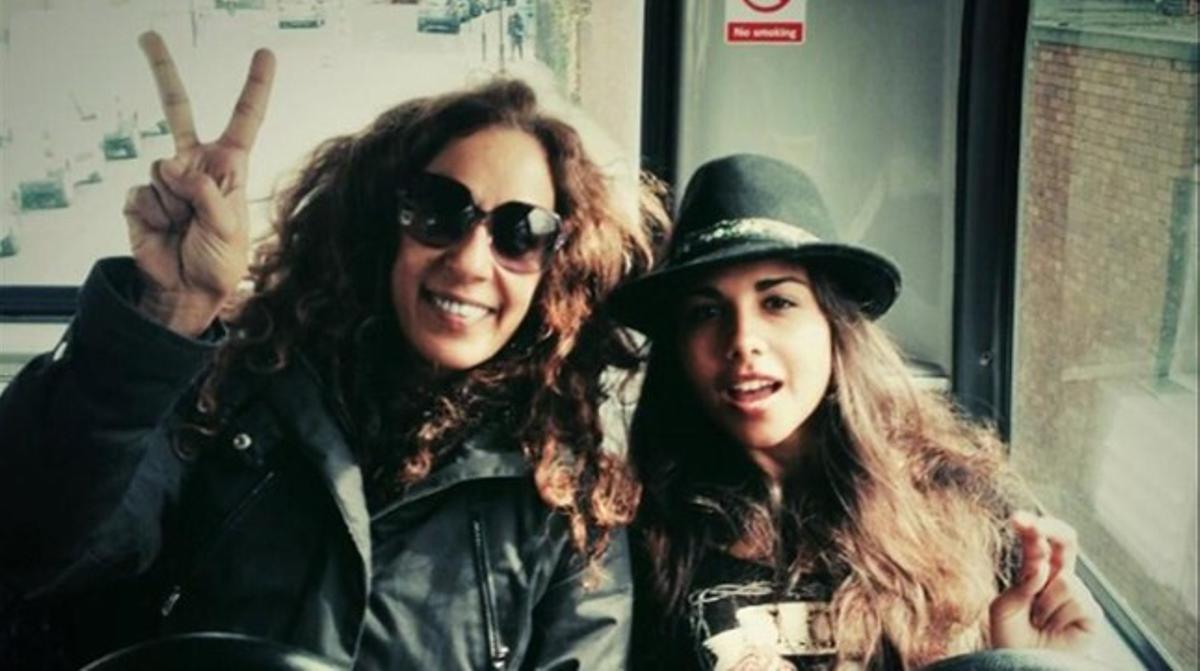 Rosario Flores y su hija, Lola Orellana.